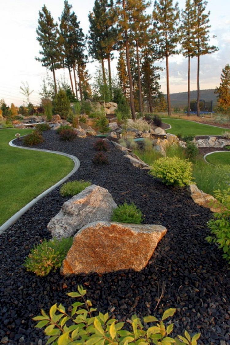 75+ Unusual Front Yard Rock Garden Landscaping Designs ...