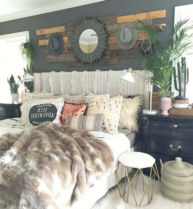 55 Cool Farmhouse Bedroom Decor Ideas